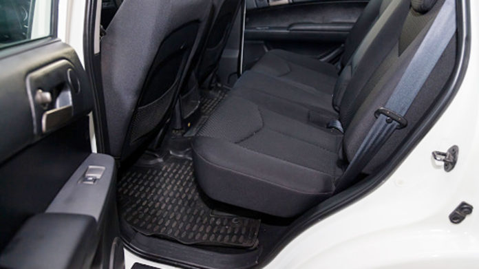 Choosing-The-Best-Car-Floor-Mats-to-Use-in-Winter-Season-on-contributionblog